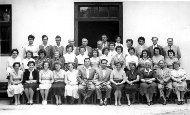 Az Eleki Általános Iskola tantestülete az 1960-as években, 2. kép