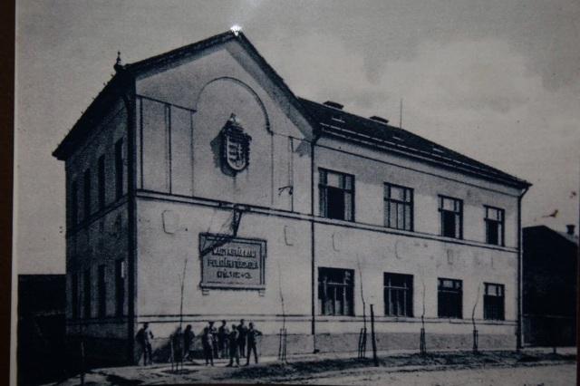 Az eleki Polgári Fiúiskola az 1930-as években