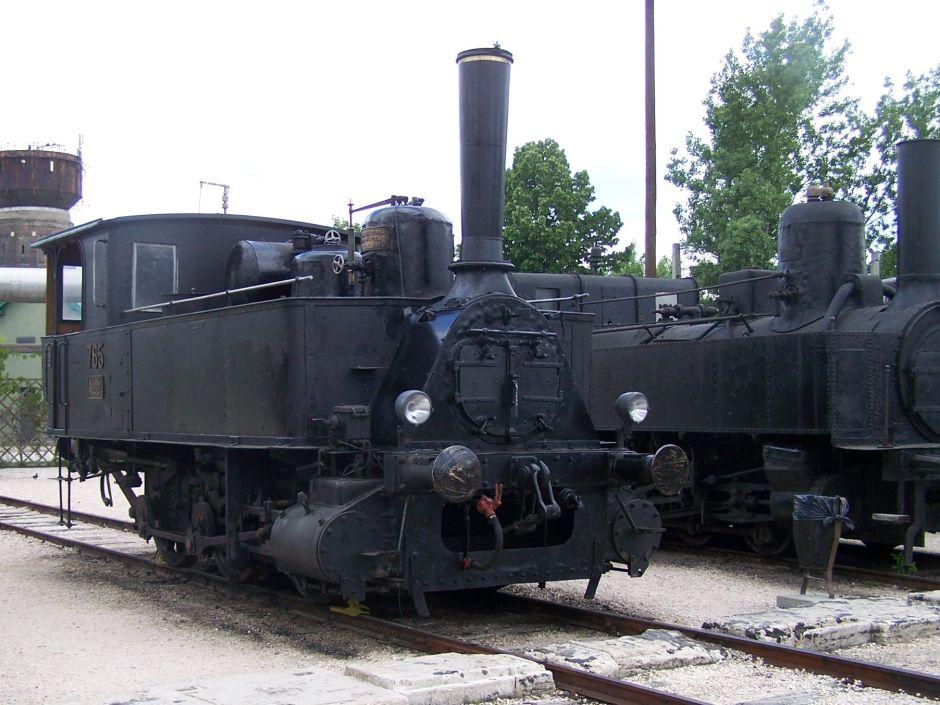 MÁV 377-es sorozatú mozdony a Magyar Vasúttörténeti parkban - Wikipedia