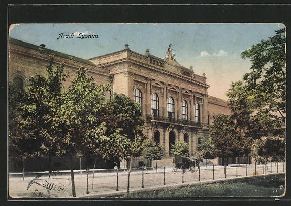 Egy békebeli képeslap az aradi líceumról