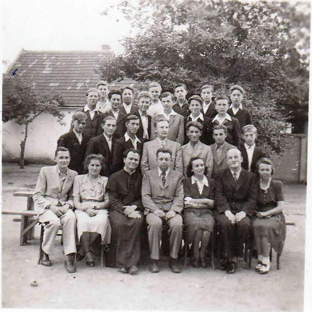 A Polgári Fiúiskola diákjai 1946-ban.