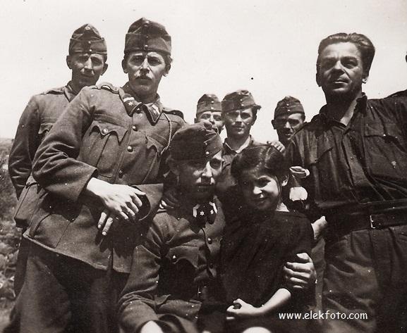 Ismeretlen eleki katonák