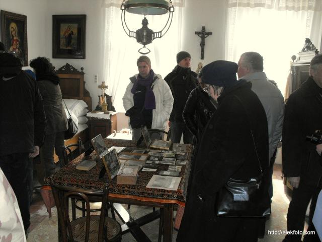 Az érdeklődő vendégek a német közösségi házbn.