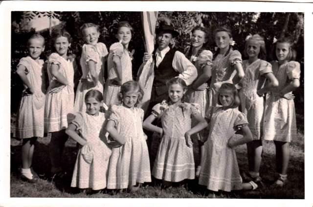 Tánccsoport 1952 körül