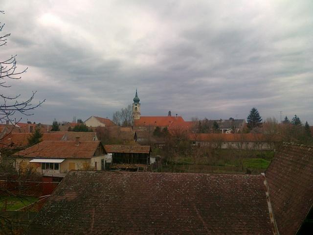 Kilátás az iskola emeletéről, 2013. április 12.