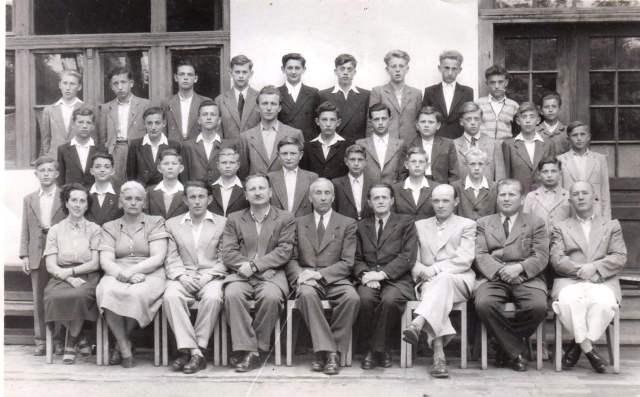 1954-esvégzős osztálykép