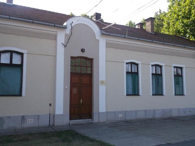 Az egykori vármegyeháza 2013 nyarán