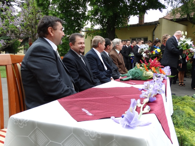 Pelle László,  ált. isk. ig.,  Nagy Miklós,  eleki tagintézmény-vezető,  Antal József,  az eleki középiskola helyettes vezetője,  Singer Ferenc,  volt tagintézmény.vezető