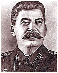 Sztálin (1879-1953),  aki a világon sok millió  embernek  a halálát okozta!
