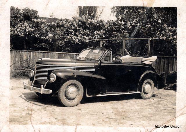 Zimmermann Ferenc 1942. április 28-án, Antalffíy Lajos főszolgabíró Opel Kapitän kocsijában sofőrként