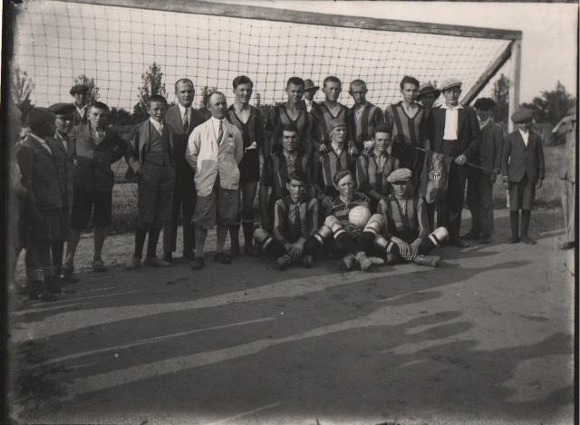 A büszke csapat. Középen Treszi Ferenc