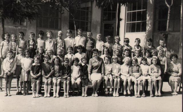 Busa Lászlóné és osztálya, 1962-63