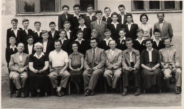 Osztálykép az 1950-es évek végéről, Elek