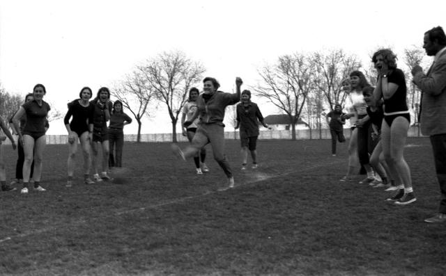 Gimnazisták a sportpályán, 1972