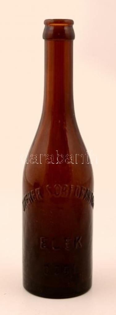 A sörösüveg felirata: Dreher sörfőraktár Elek