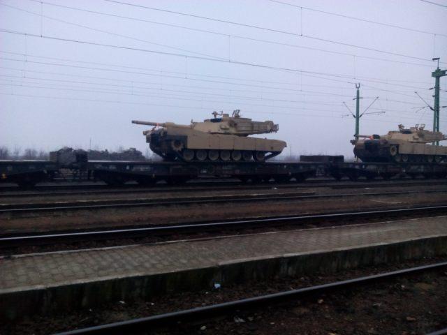 Útban Lőkösháza felé. (Kétegyháza vasútállomás, 2017. február 10. péntek)