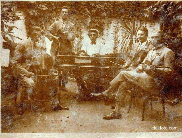 Hauck Mátyás éa az eleki Diák Jazz-band az 1930-as években